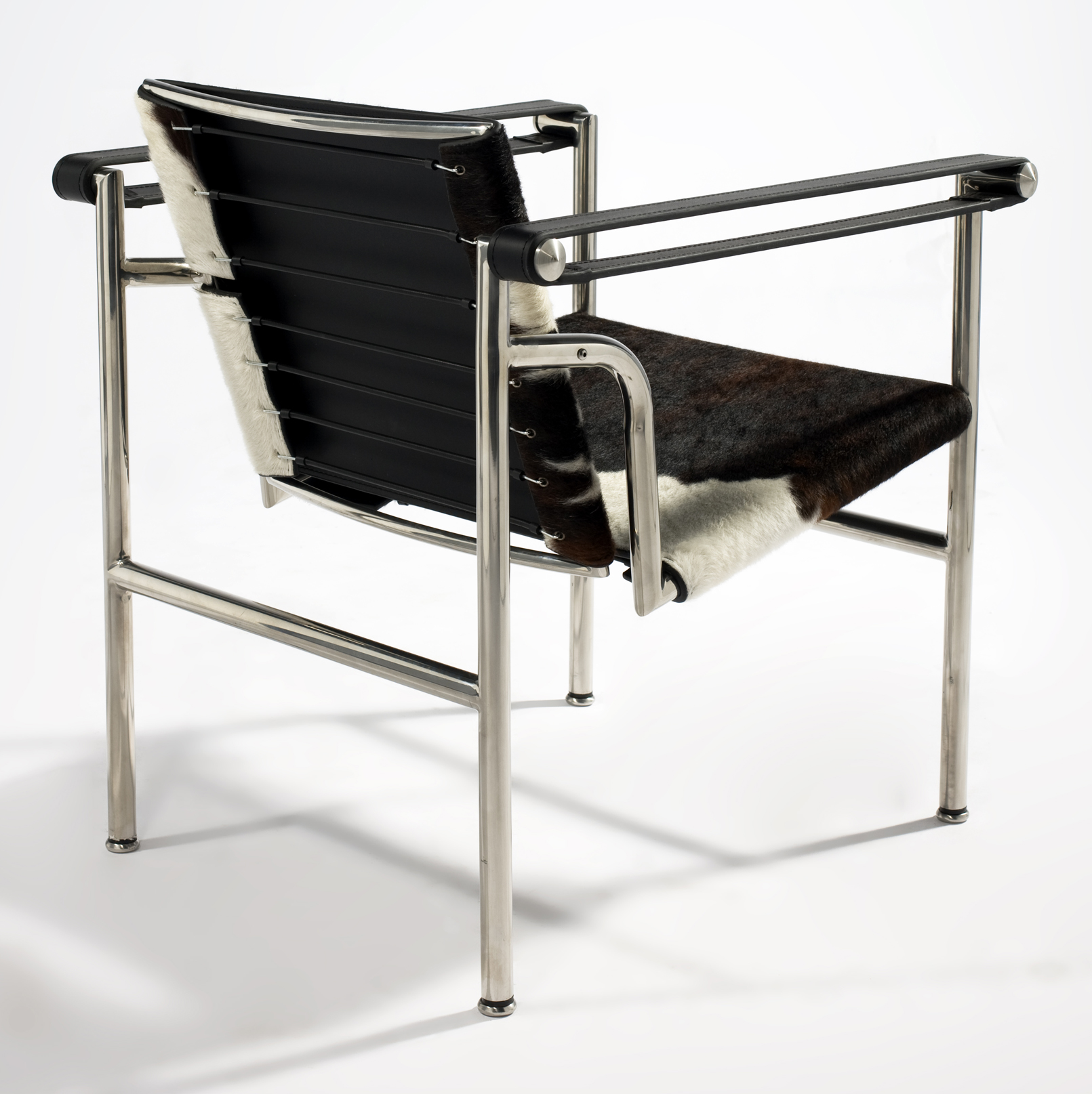 le corbusier chaise longue pony skin with Silla Basculant Lc1 En Piel De Vaca on Id F 5990763 likewise Id F 6332623 moreover Corbusier Chaise Design Fidelity Lounge Le Corbusier Chaise Longue Originale Prezzo likewise Id F 7811013 additionally Id F 1940782.